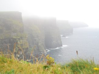 Misty Cliff de Moher