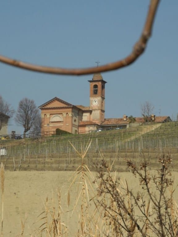 Langhe, church and a branch