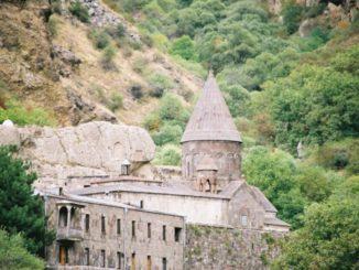 Monastero nella grotta a Geghard