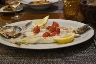 Sardegna-Alghero-ristorante-Il Pesce D'Oro-branzino
