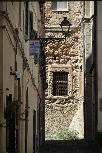 Italy-Sardinia-Alghero-old town-street-street lamp-window