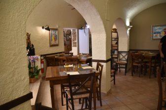 イタリア サルディニア島 アルゲーロ レストラン  Il Pesce D'Oro 内装