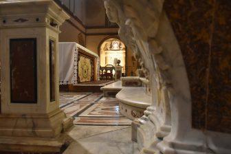 イタリア サルディニア アルゲーロ 大聖堂 祭壇 大理石