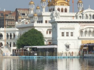 india, Amritsar – white reflection, Sept.2006