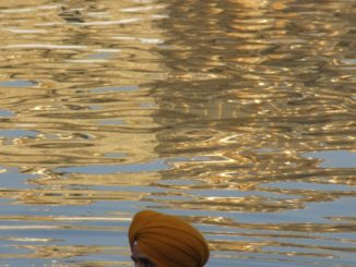 India, Amritsar – bathe, Sept.2006
