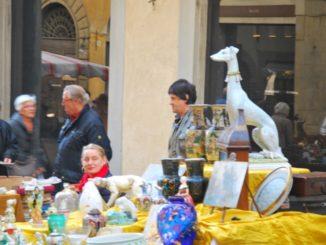 Italy, Arezzo – porcelain dog, Nov.2014