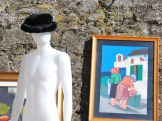 Italy, Arezzo – hat and painting, Nov.2014