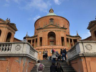 A bordo del San Luca Express a Bologna