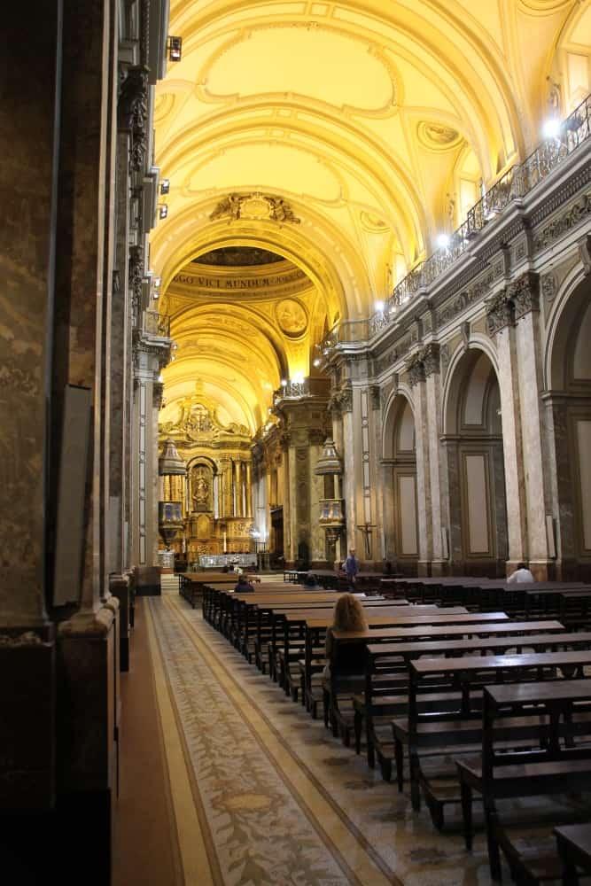 La cattedrale dove risiedeva abitualmente il papa a Buenos Aires