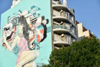 ragazza-seflie-murales-buenos-aires-argentina
