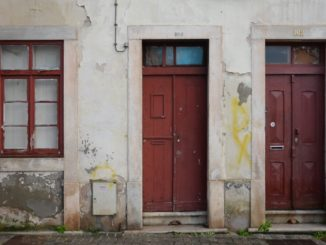 Portugal, Coimbra – 2 doors and 1 window, Nov.2014