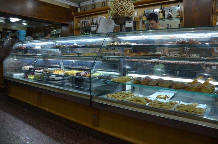 Portuguese people like cakes