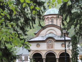Romania, Cozia Monastery – front, Apr. 2014