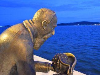 Croatia, Zadar – statue and sea, July 2014