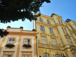 Czech, Prague – yellow building, Sept.2013