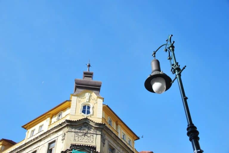 Czech, Prague – lamp and building, Sept.2013 (Praga)