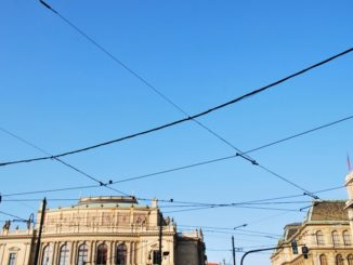 Czech, Prague – lines in sky, Sept.2013