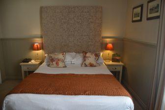 England-Devon-Moretonhampstead-The-White-Hart-Hotel-camera