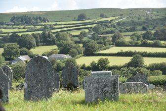 England-Devon-Dartmoor-Widecombe in the Moor-cemetery-view