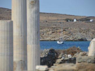 ギリシャ、デロス-船 2013年9月