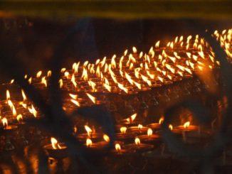 India, Dharamsala – candles, Sept.2006
