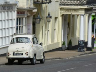 Dorchester – white old car, May 2015