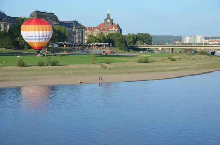 Elbe and Balloon