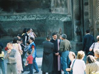 Armenia, Echmiadzin – twos and threes, Autumn 2005