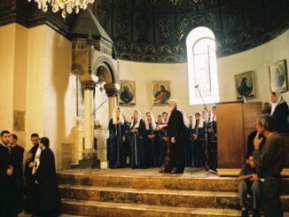 Armenia, Echmiadzin – singers, Autumn 2005