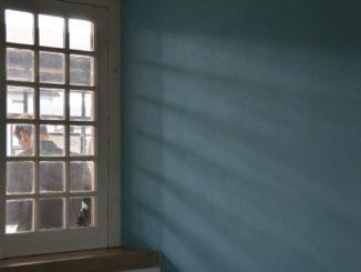 Portugal, Entroncamento – window and shadow, Nov.2014