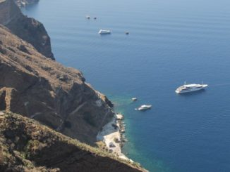 Greece, Santorini, Fira – water edge, Aug. 2013