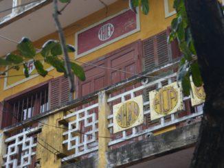 Vietnam, Hoi An – roof tiles, Jan.2015