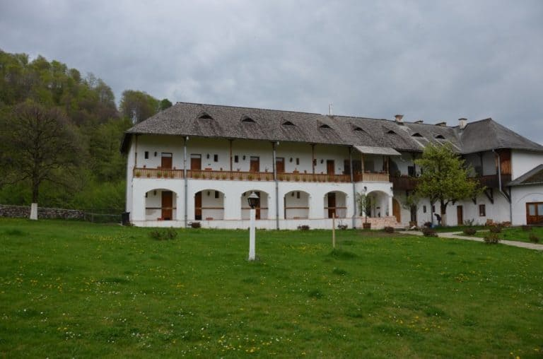 Romania, Horezu – accommodation, Apr.2014 (Valcea)