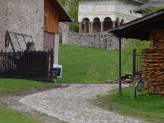 Romania, Horezu – chuch over there, Apr.2014