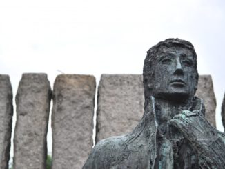 Ireland, Dublin – statue, July 2011