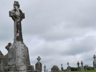 アイルランド、クロンマクノイズ-ケルトの十字架 2011年
