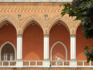 Italy, Padua – arches 2011