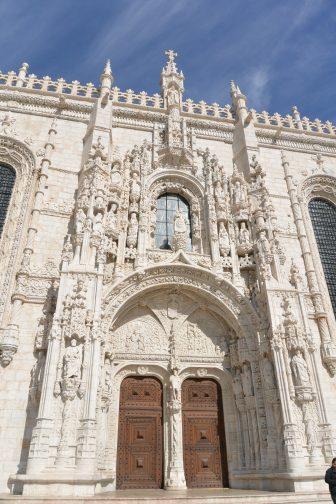 リスボンの世界遺産、ジェロニモス修道院の見事な彫刻