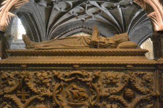 リスボンの世界遺産、ジェロニモス修道院内のバスコダガマ