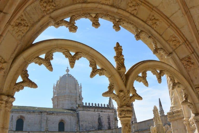 リスボンの、ジェロニモス修道院の回廊