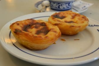 Comí un Excelente Pastel de Nata en el Famoso Negocio de Lisboa