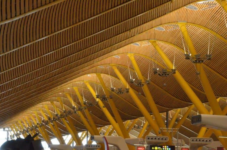 Iberia Airlines e aeroporto elegante