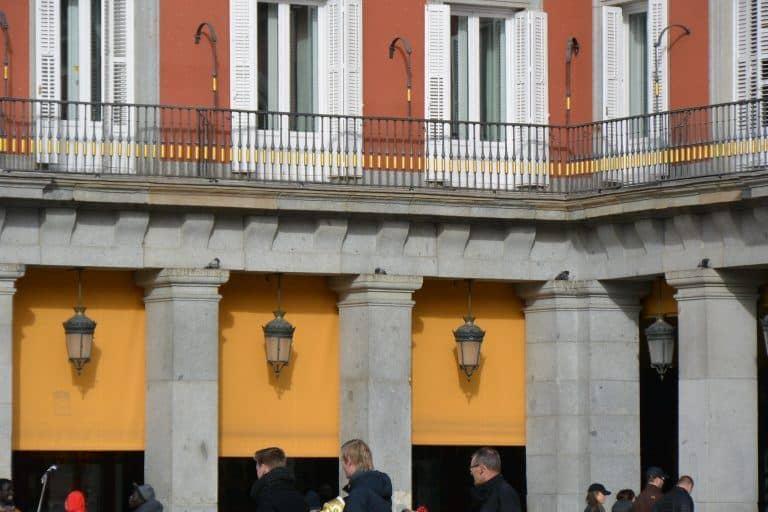 Madrid, Plaza Mayor – three lamps, Jan.2018 (Madrid)