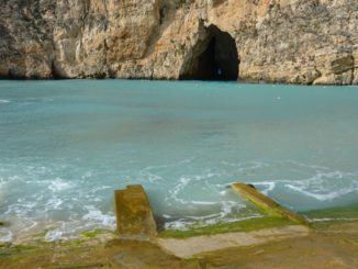 Malta, Gozo – hole in the rock, Feb. 2013