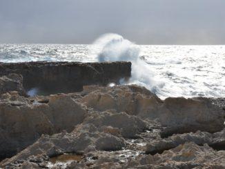 Malta, Gozo – splash, Feb. 2013