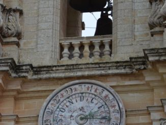Malta, Mdina – calendar and bell, Feb. 2013