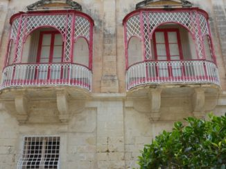Malta, Mdina – balconies, Feb. 2013
