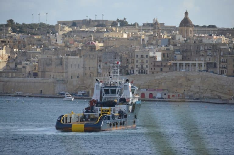Malta, Valleta – ship, Feb.2013 (Valletta)