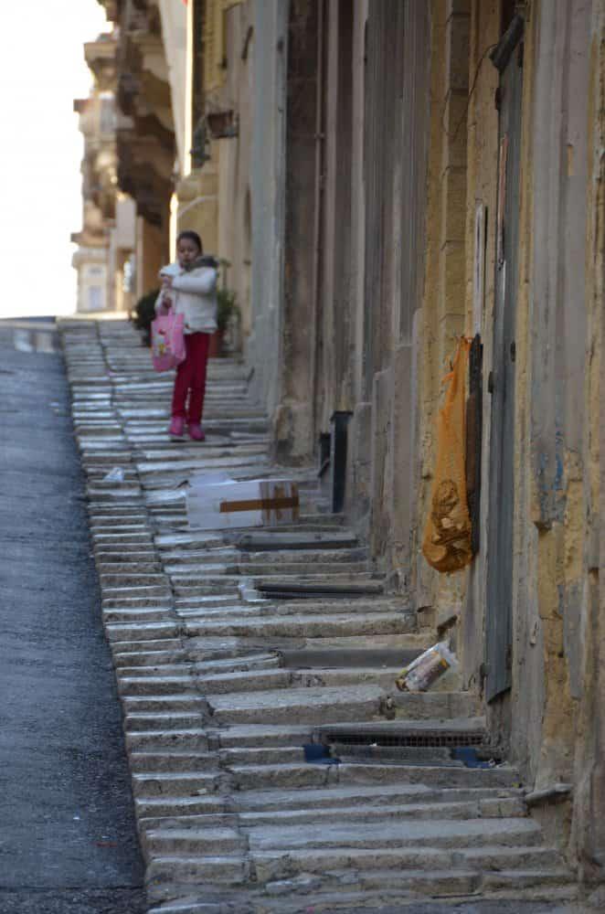 Malta, Valleta – girl, Feb.2013 (Valletta)