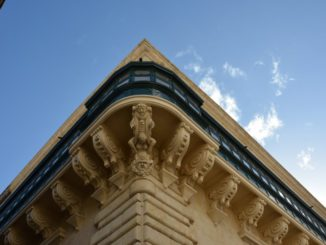 Malta, Valleta – under the eaves, Feb.2013